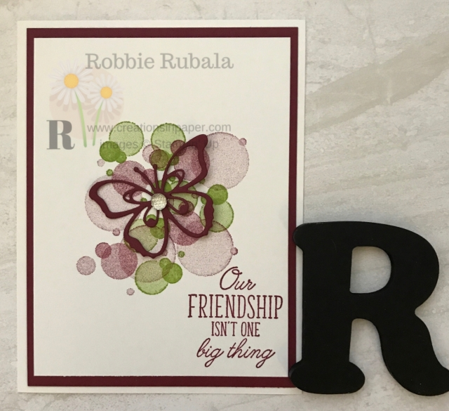 A simple card design is a great way to use an open framelit. The Beauty Abounds Friendship card here is an example of a clean and simple style.