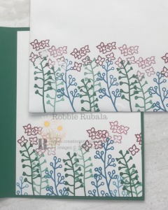 This border makes a great banner across the center of a card. Check out the Love What You Do Idea to see how I used it.